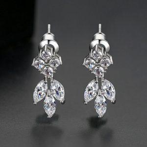Cercei delicati argintii cu cristale zirconica - EVA's